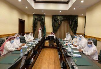 يرأس وكيل إمارة مكة اجتماع اللجنة التنفيذية لمراكز